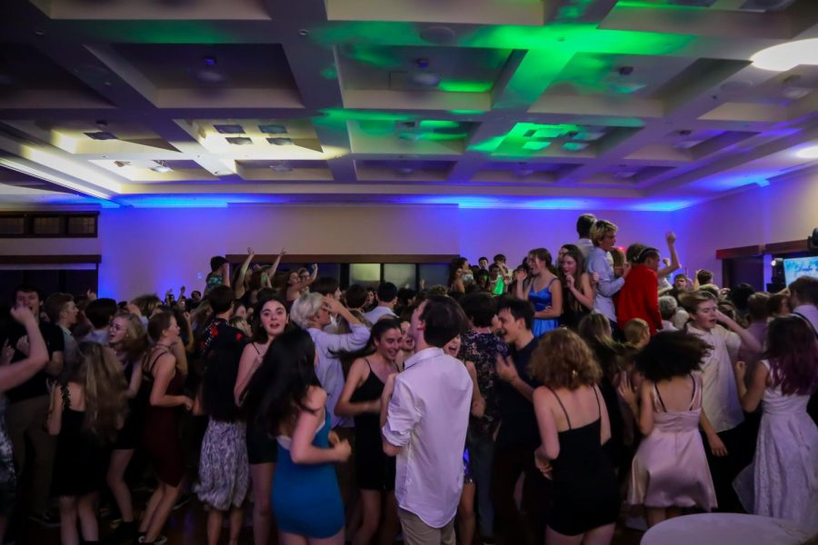 Drake students dancing to the last song of the evening, Sweet Caroline.